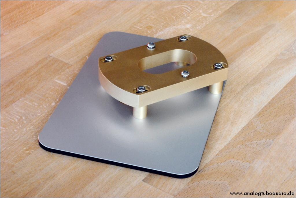 """Bronze-Grundplatte """"standard und Montageboard für Transcriptor Hydraulic"""