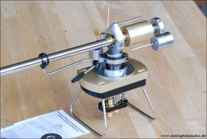 SME 3012 S2 stainless steel edition montiert ist ein Ikeda Tonabnehmer
